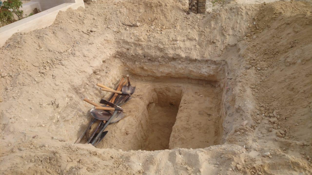 ذهبوا لدفن طفل فوجدوا مفاجأة مذهلة في المقبرة