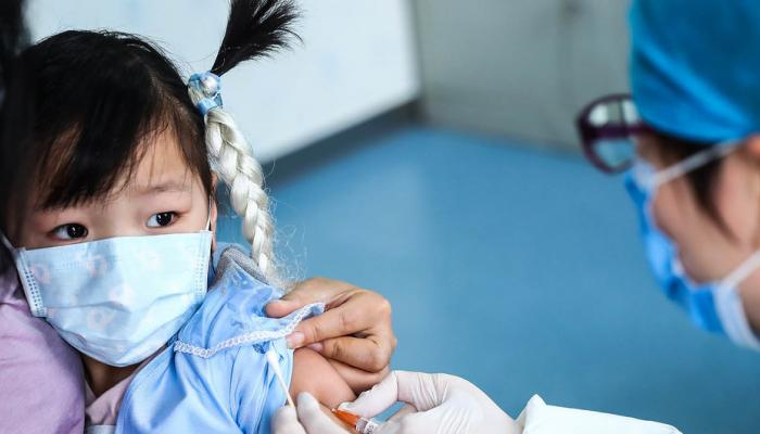الصين أول بلد سيلقح الأطفال ضد كوفيد -19
