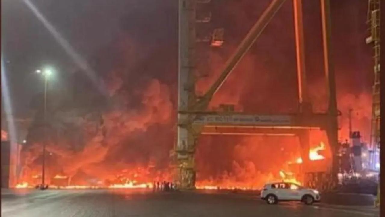 الإمارات.. انفجار حاوية بميناء جبل علي في دبي فيديو