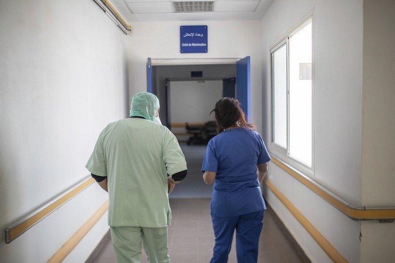 نقابة موخاريق تعترض على مزاولة الأجانب للطب بالمغرب..القانون يشكل خطرا على صحة المغاربة