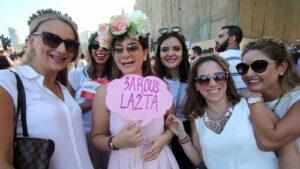 لبنانيات في الشارع