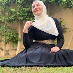 ياسمينا العلواني بالحجاب