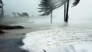 اعصار عمان
